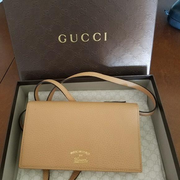 d10dd49ef8f91d Gucci Bags | Nwt Swing Wallet With Strap | Poshmark